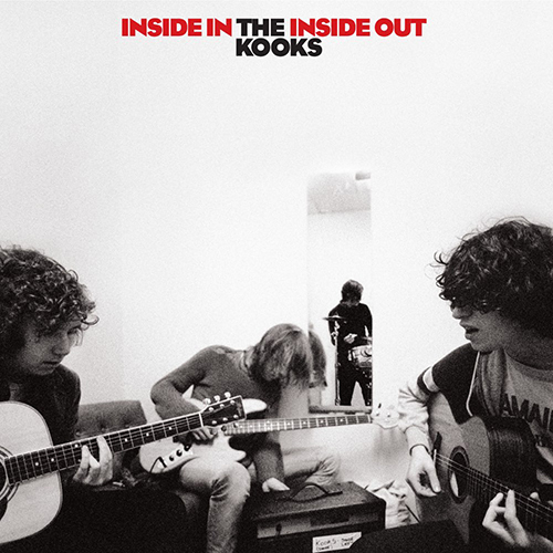 She Moves In Her Own Way - id|artist|title|duration ### 1479|The Kooks|She Moves In Her Own Way|167310 - The Kooks